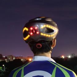Casque de vélo lumineux avec clignotant
